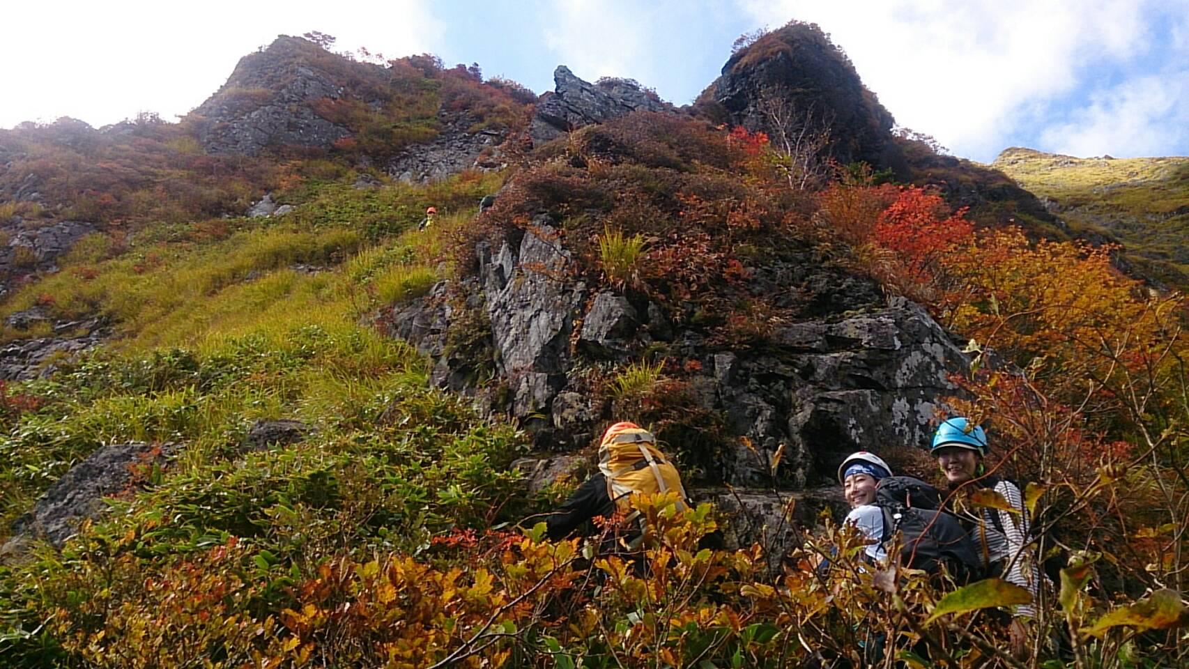東尾根シンセンのコル付近 紅葉最高でした!